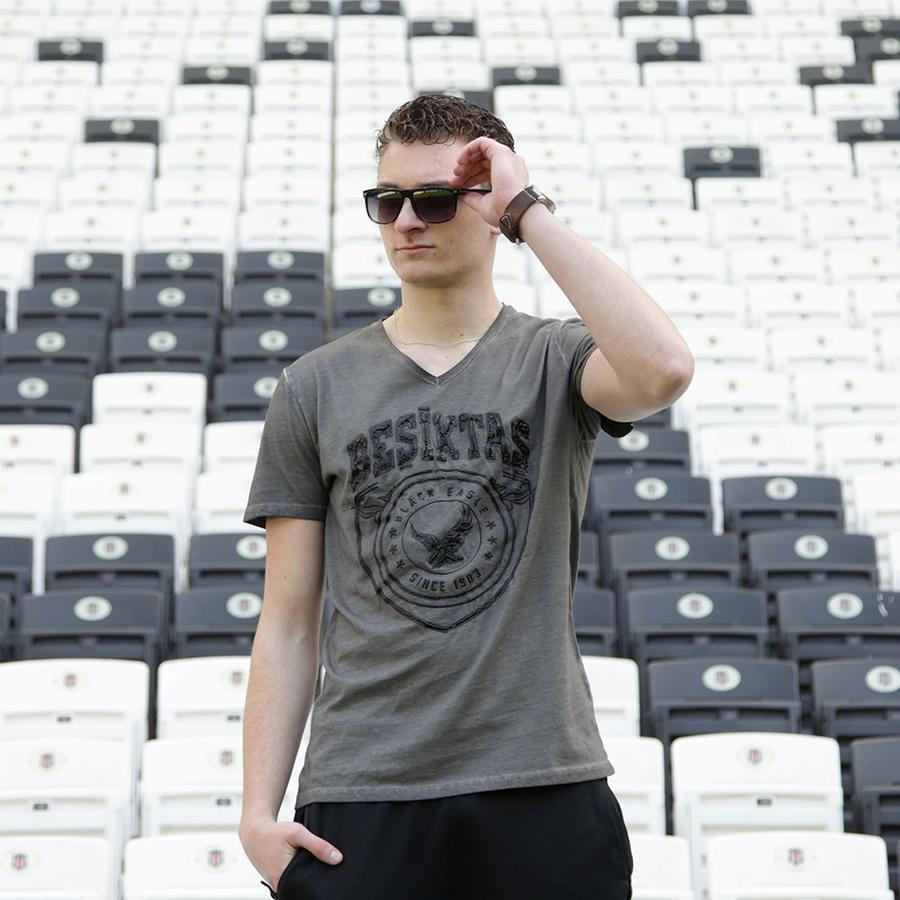 7717190 Mens T-shirt