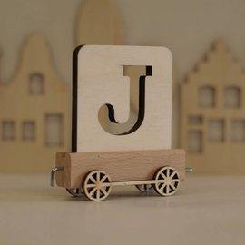 Houten Lettertrein Letter J