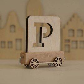 Houten Lettertrein Letter P