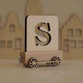 Houten Lettertrein Letter S