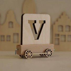 Houten Lettertrein Letter V