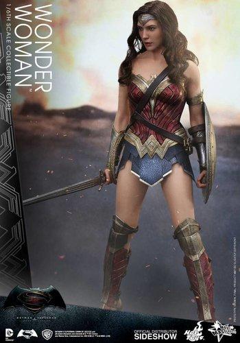 Batman vs Superman: Wonder Woman Sixth scale Figure