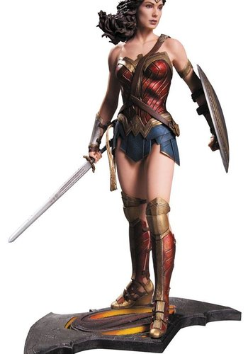 Diamond Direct Batman vs Superman: Wonder Woman Statue