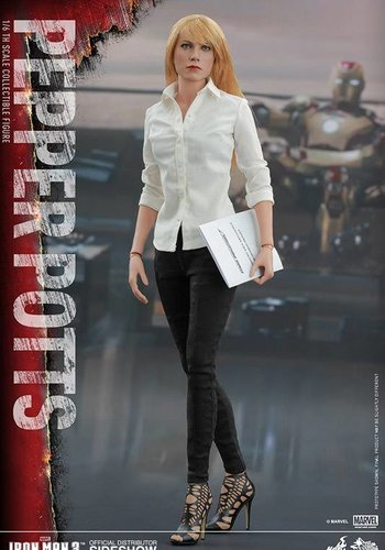 Iron Man 3: Pepper Potts - Sixth Scale Figure