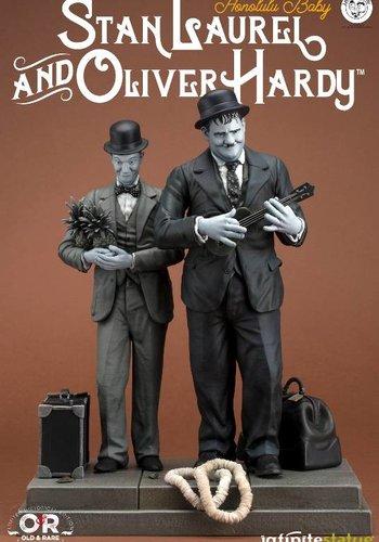 Stan Laurel & Oliver Hardy: Honolulu Baby statue