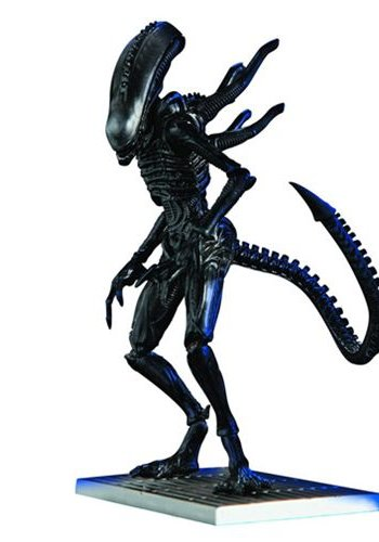Diamond Direct Aliens: Xenomorph Lurker 1:18 scale AF