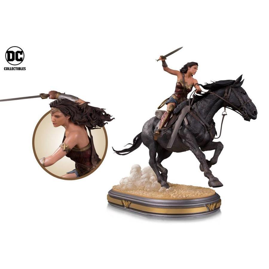 Wonder Woman Movie: Wonder Woman on Horseback Deluxe Statue