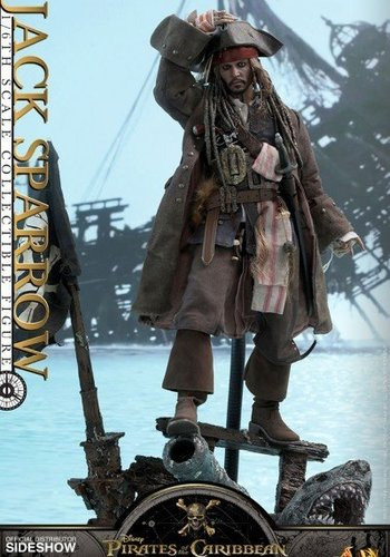 Hottoys PotC: Dead Men Tell No Tales - Jack Sparrow 1:6 scale Figure