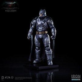Iron Studio Iron Studio - Batman vs Superman Dawn of Justice: Armored Batman 1:10 scale