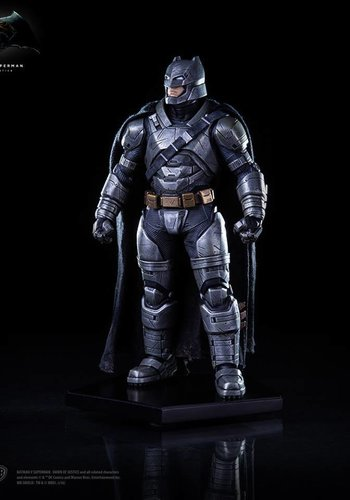 Iron Studio - Batman vs Superman Dawn of Justice: Armored Batman 1:10 scale