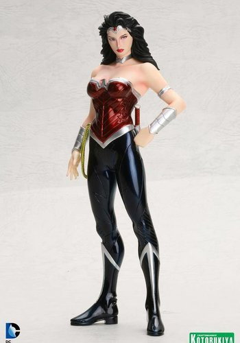 DC Comics: Wonder Woman New 52 Art FX Statue