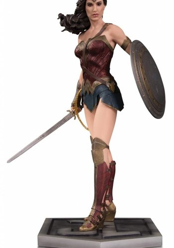Justice League Movie - Wonder Woman Statue