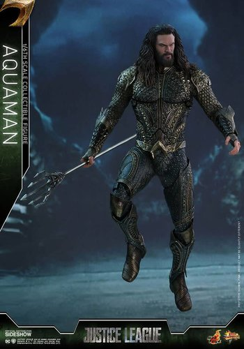 Pre order-DC Comics: Justice League Movie - Aquaman 1:6 scale Figure