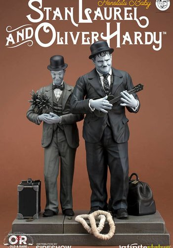 Stan Laurel & Oliver Hardy: Honolulu Baby statue