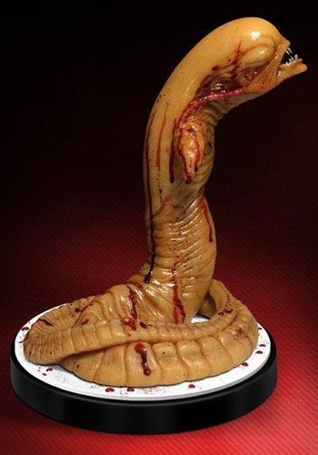 Alien: Life Sized Chestburster Statue