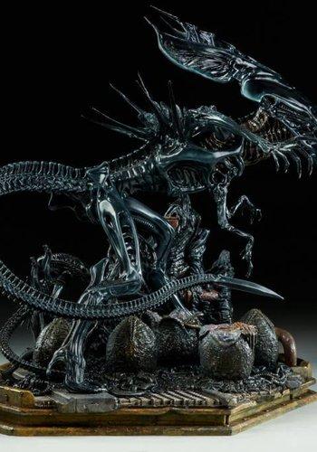Pre-order Aliens: Alien Queen Maquette