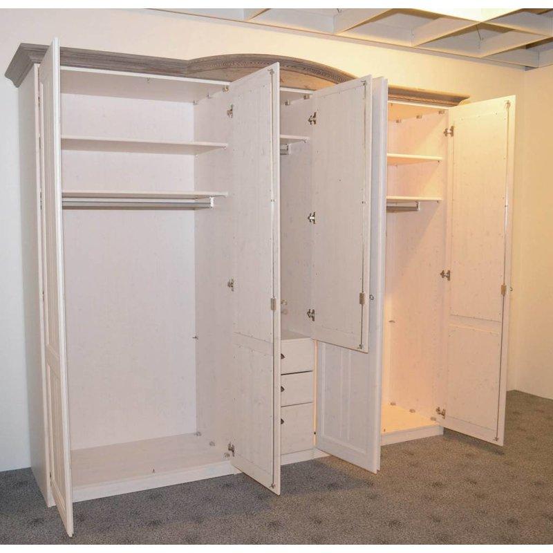 aussteller kleiderschrank landhaus in wei kuboth nordenham. Black Bedroom Furniture Sets. Home Design Ideas