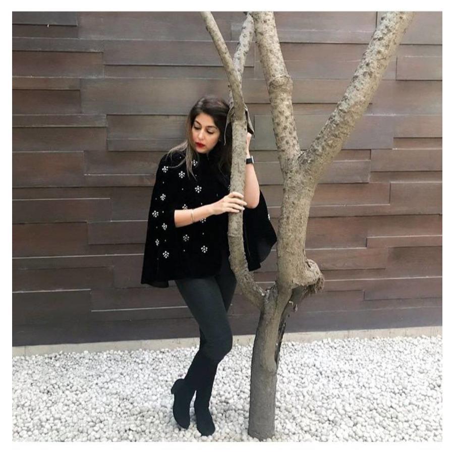 Adriana cape