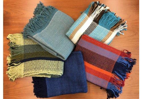 Suyana Mundial Sofadecken mit Fransen - aus hochwertiger Alpakawolle Blau