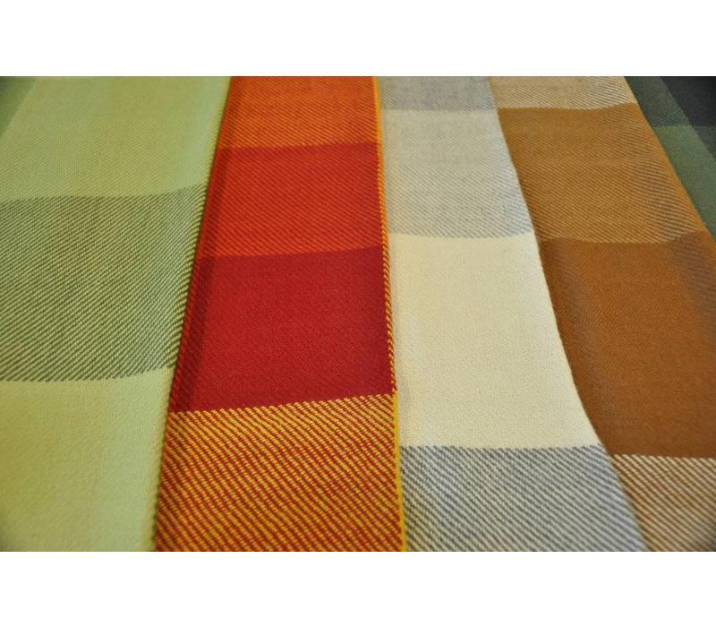 Sofadecken mit Makramee Rand - aus hochwertiger Alpakawolle