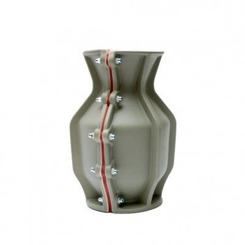 Floris Hovers Carter Vase