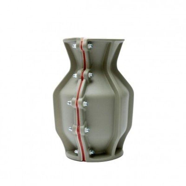 Floris Hovers Carter Vase