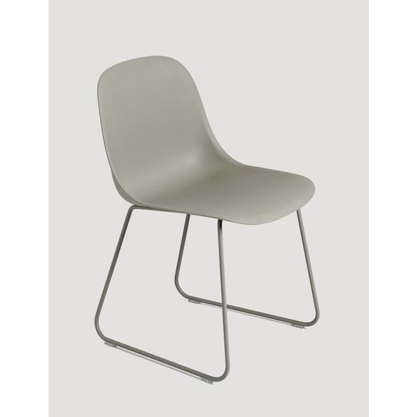 Muuto Fiber Side Chair normal shell sled base
