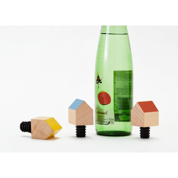 daphna laurens Bottle house