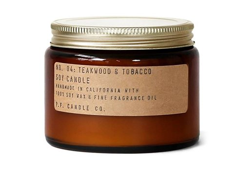 P.F. Candle Co. Geurkaars No. 04 Teakwood & Tobacco - groot