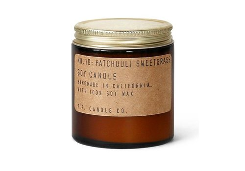 P.F. Candle Co. Geurkaars No. 19 Patchouli & Sweetgrass - klein