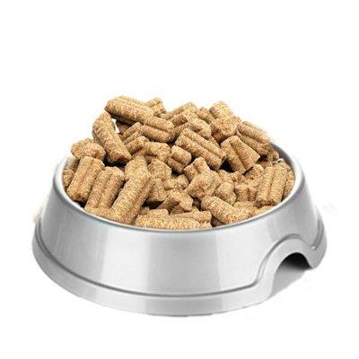 Onze Zalm & Zoete aardappel brok is een graanvrij geperst hondenvoer  voor volwassen honden van alle rassen in de kracht van hun leven.