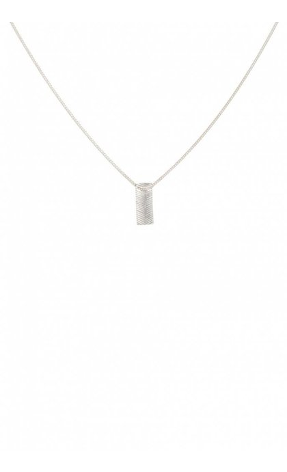 Anna + Nina Herringbone Necklace Silver