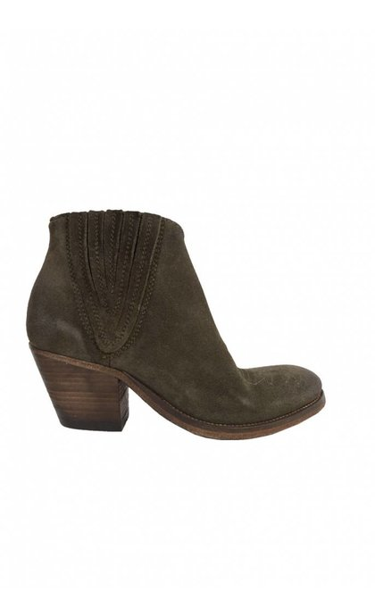 Catarina Martins Tulum Suede V-Shape Chelsea Boot