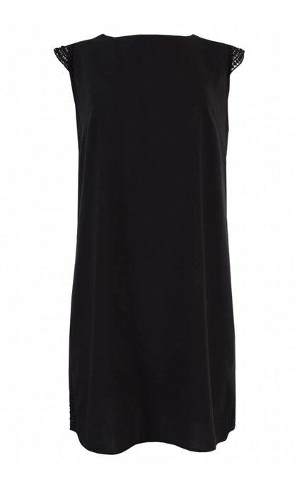 Tigha Line Dress Black