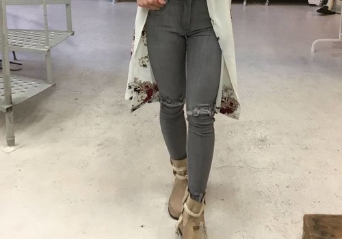 Jeans ripped knee grey