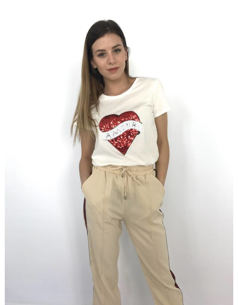 White T-shirt heart 9020