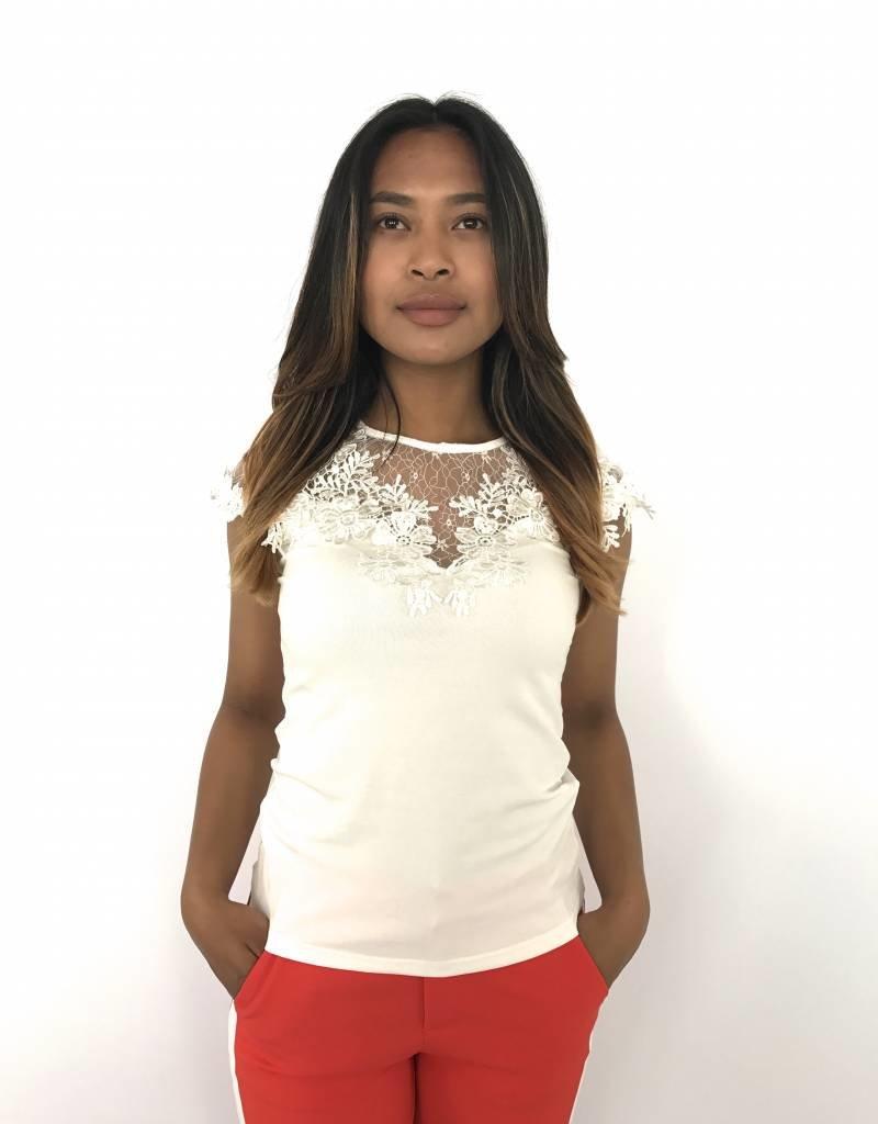 White t-shirt lace top flowers MC8351