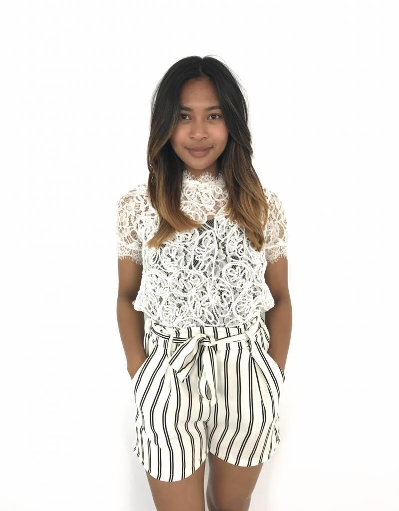 White lace t-shirt zipper back