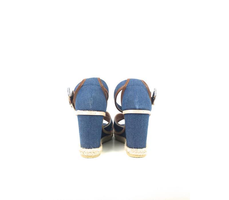 Wedge blue