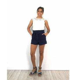 Blue short strik