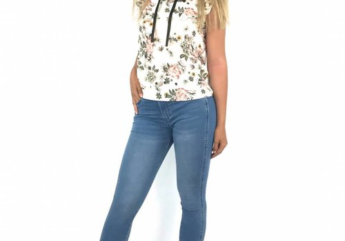 Queen Hearts Skinny crop pearls embellished jeans