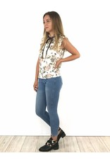 Skinny crop pearls embellished jeans