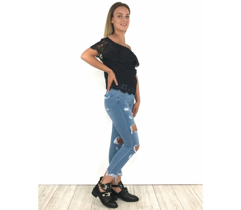 Mom jeans ripped knee 9213