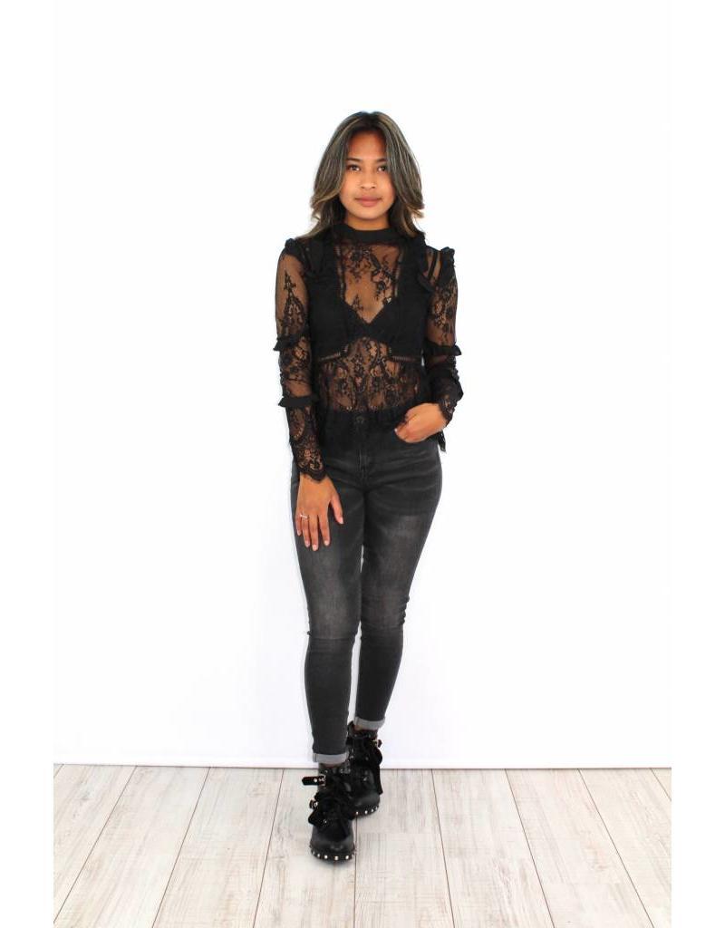 Black classy lace op 6261LT