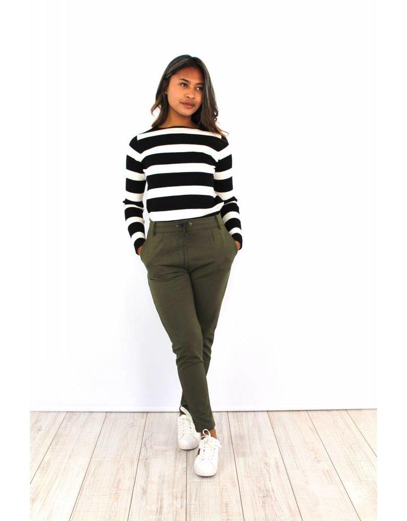 Green pants 5897