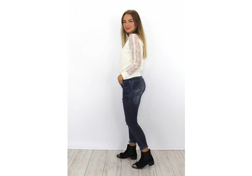 Skinny jeans fray hem