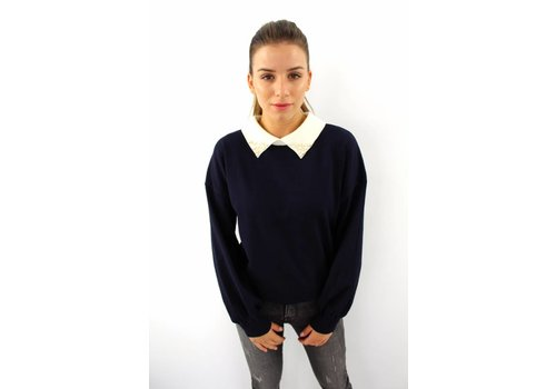 Lovely pearl collar sweater dark blue