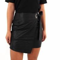 Leather look skirt black 18469