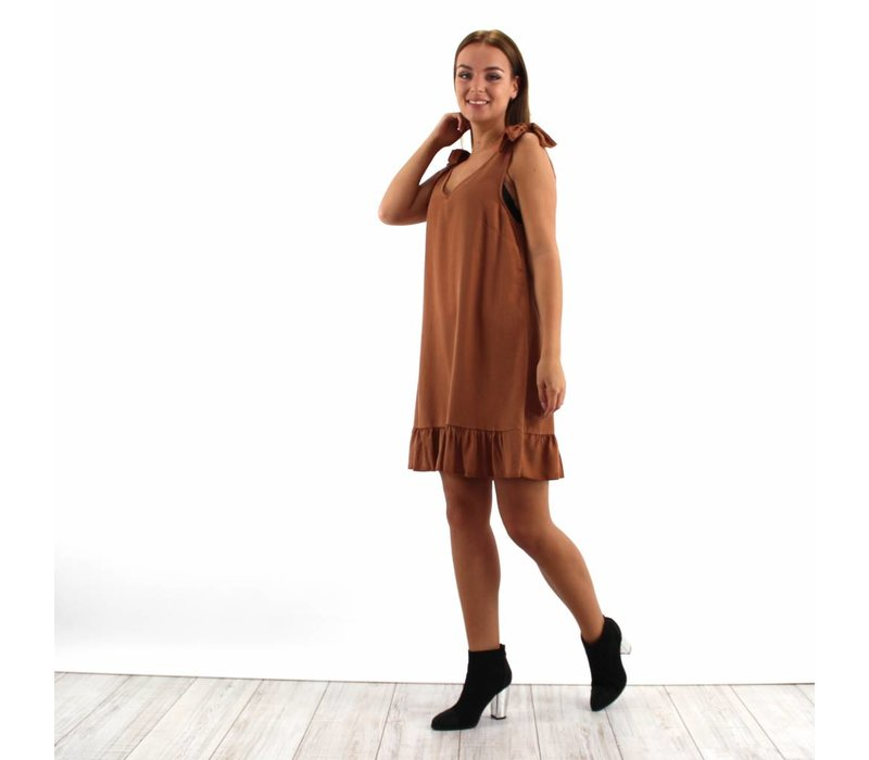 Camel dress bow
