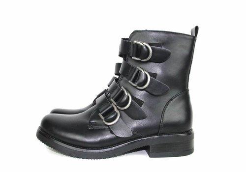 Black boots belts